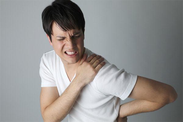 背部痛のことなら京都市西京区の整体【京都中丸整体カイロプラクティック】にお任せください