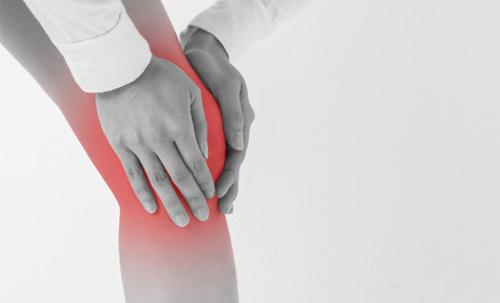 前の膝の痛みの種類と原因