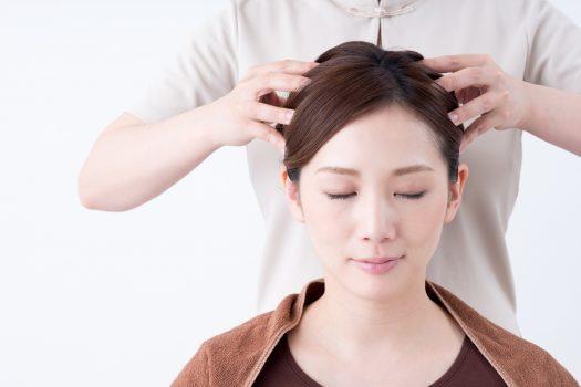 頭のマッサージで頭痛解消