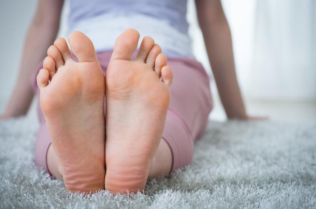 産後に起こる足裏の痛みの原因とは?|洛西口・桂川の京都中丸整体カイロプラクティック