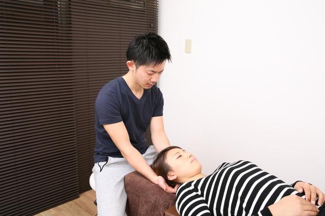 肩こり・首の痛みの施術風景 画像