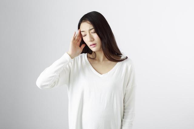 トリガーポイント頭痛で痛む人 画像